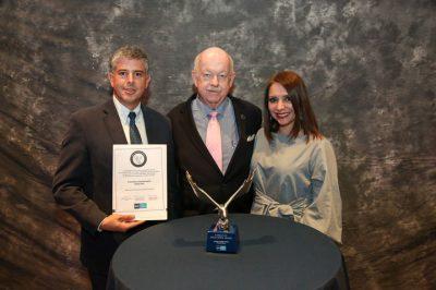 """Camposanto Santa Ana recibió el premio internacional """"Búsqueda de la excelencia"""""""